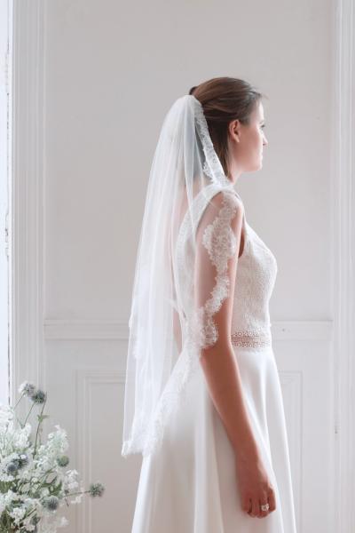 Lace short veil