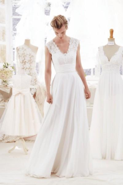 Wedding dress Atelier Emelia Altea front