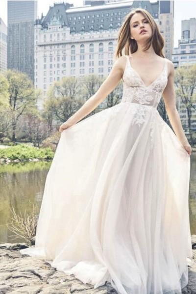 Wedding dress Monique Lhuillier BL18109