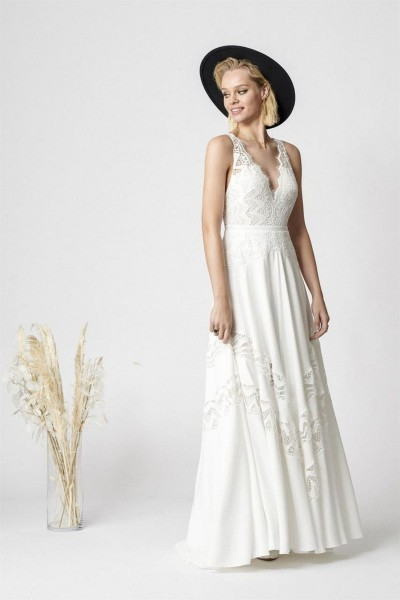 Wedding dress Rembo Styling Number one front
