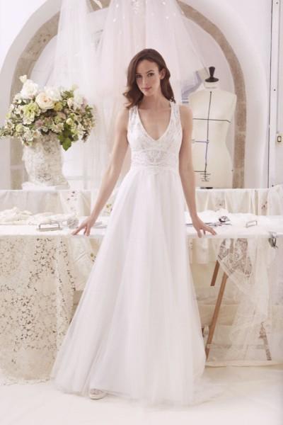 Wedding dress Atelier Emelia front
