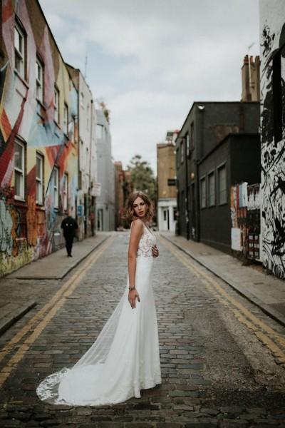 Wedding dress Manon Gontero Chelsea side