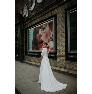 Wedding dress Manon Gontero Harrow back