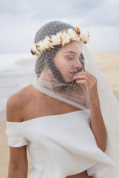 Wedding flower crown les couronnes de victoire Rania side