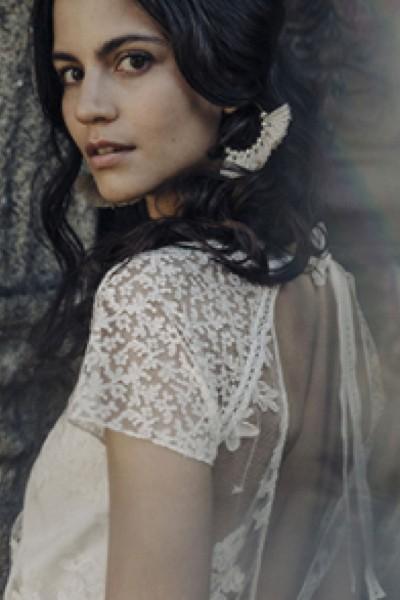 Wedding dress Laure de Sagazan Beauregard side