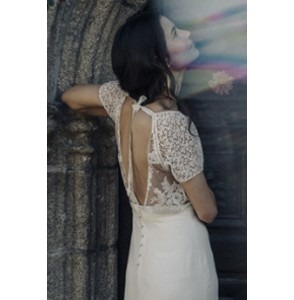 Wedding dress Laure de Sagazan Beauregard back