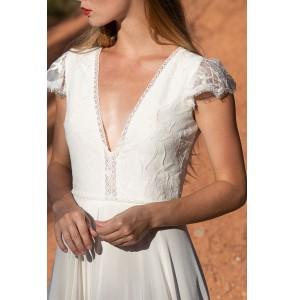 Wedding dress Alba Serenade front close up